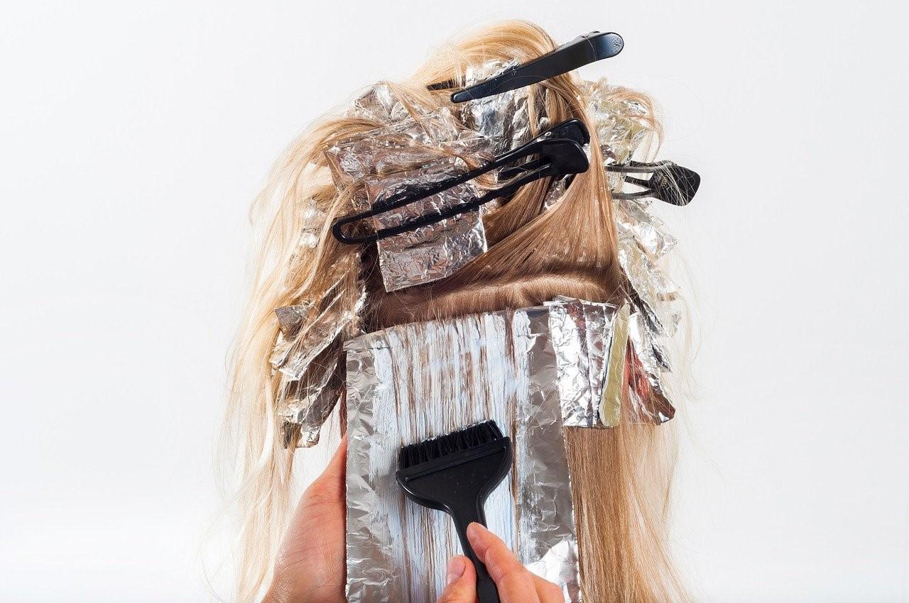 そもそもヘアカラーは安全な施術ですか?