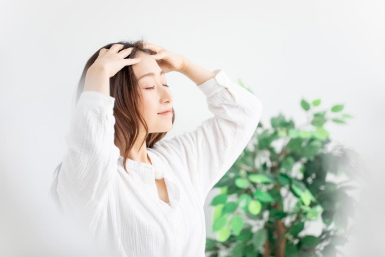 女性の40代から薄毛や抜け毛に悩む方が急増しています