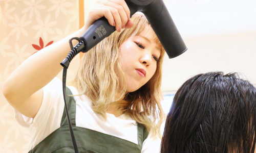 MISONO美容室 アシスタント 秋山楓